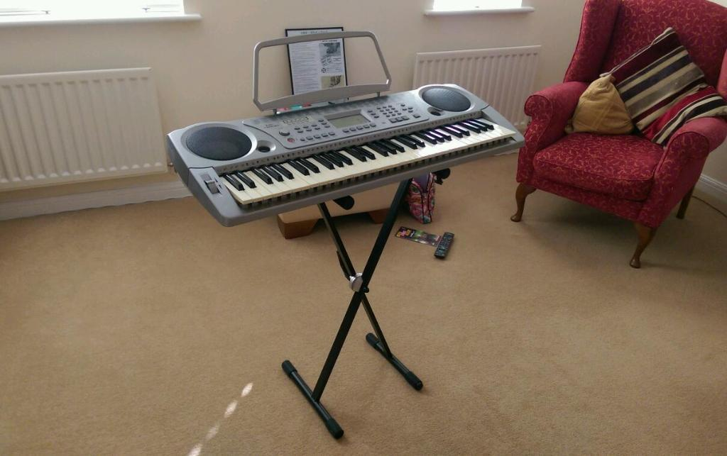 Rikter Tb800 Electric Keyboard With Stand United