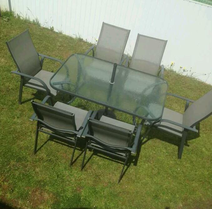 Garden table and chairs patio set united kingdom gumtree for Furniture gumtree