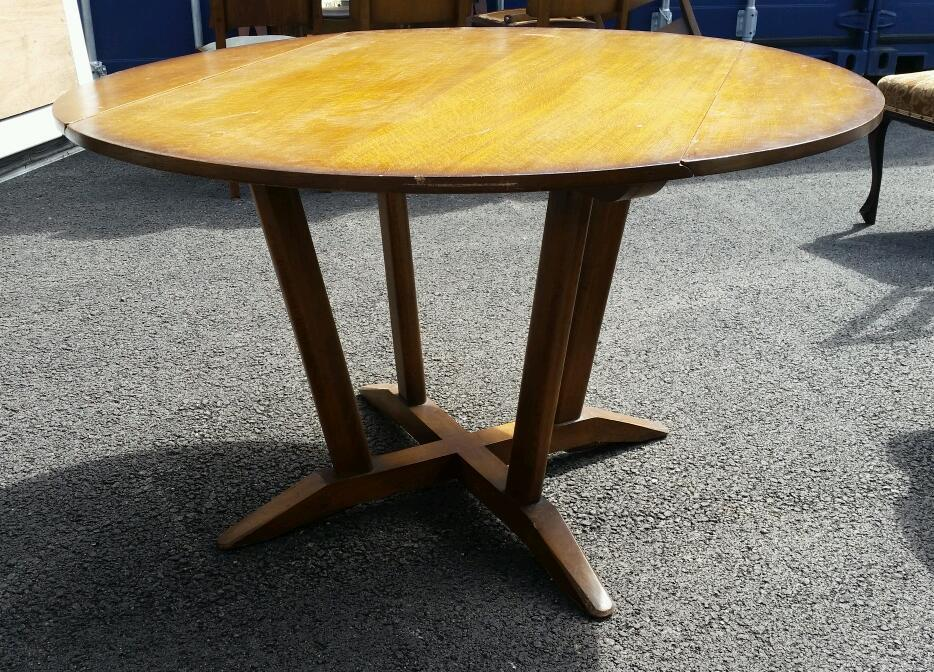 stunning retro vintage solid oak round dining table with drop leaves