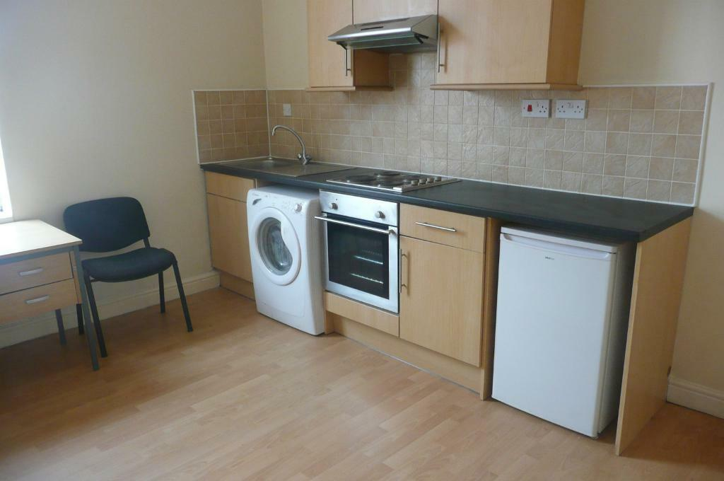 1 bed studio flat simpson grove armley dss welcome