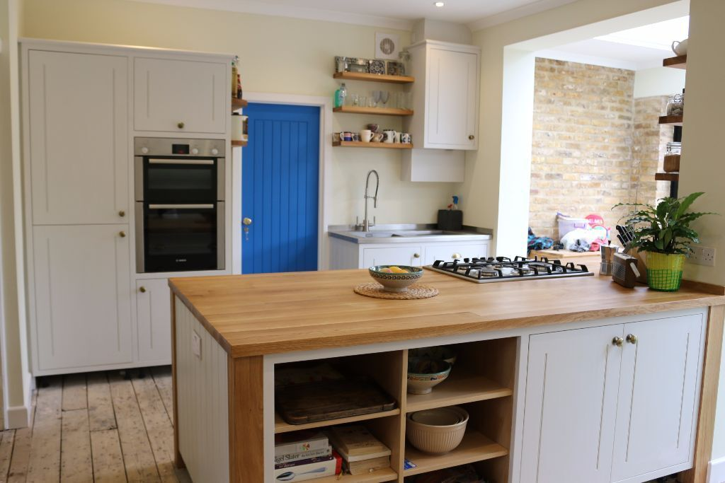 Bespoke cabinet maker carpenter designer kitchen for Kitchen cabinets gumtree