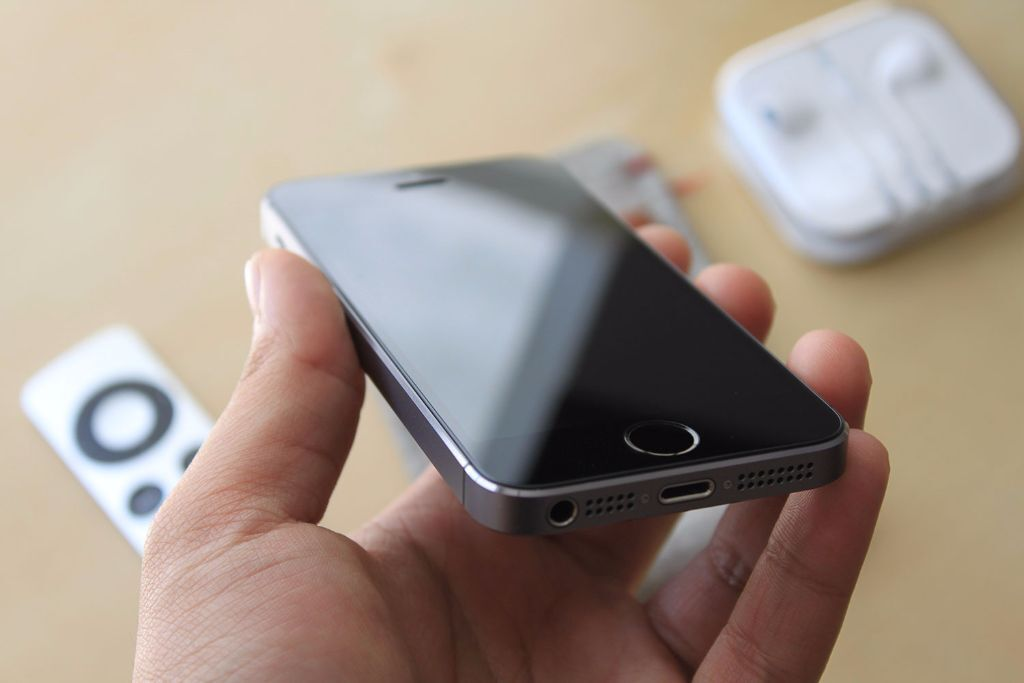 Apple Iphone 5s 32gb Space Grey Iphone 5s 32 gb Space Grey