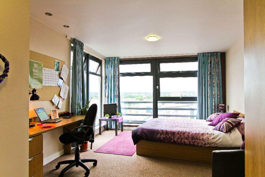 39 platinum plus 39 studio flat at iq bristol student. Black Bedroom Furniture Sets. Home Design Ideas