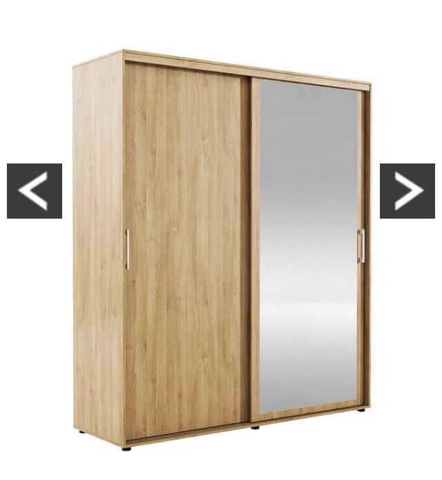 Large double sliding door wardrobe in oak with mirrored for Sliding glass doors gumtree