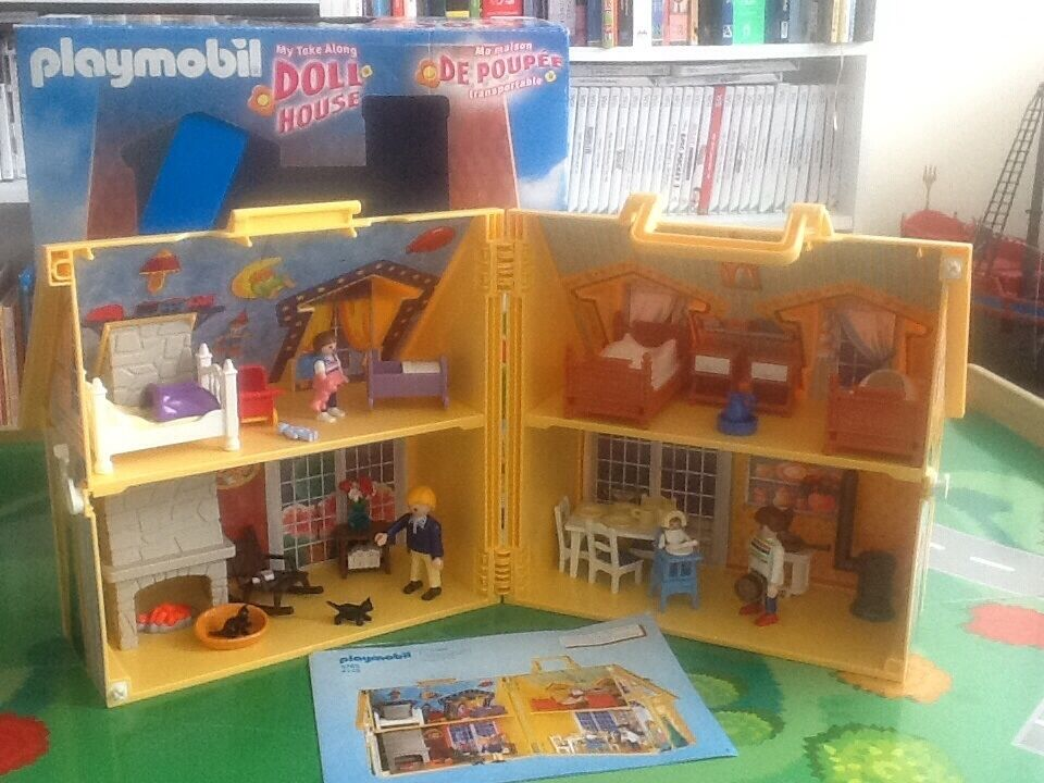 Playmobil Take Along Christmas House Playmobil Take Along a Dolls