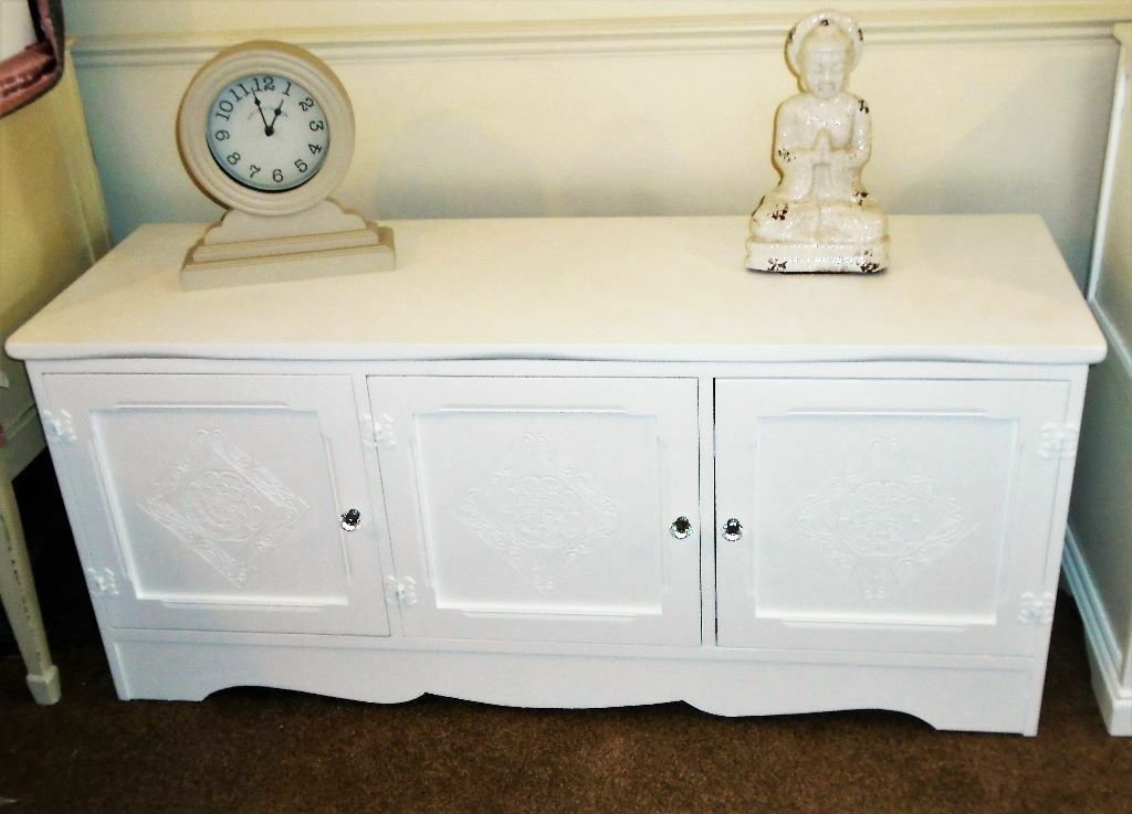 Original spectre james buy sale and trade ads great prices for Furniture kingdom benfleet