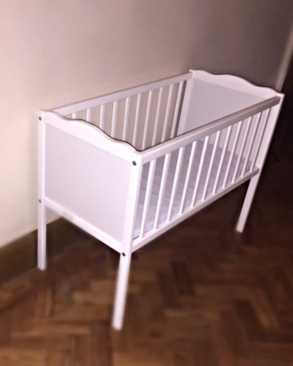 Baby Small Crib Small Space Saver Baby Crib