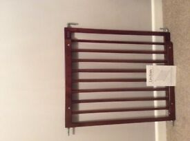 Stair gate united kingdom gumtree for Wooden stair gate ikea
