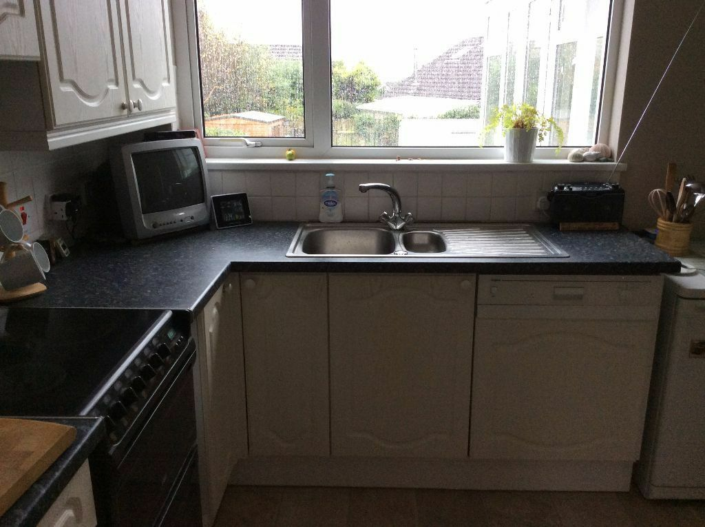 Fitted kitchen units for sale buy sale and trade ads for New kitchen units for sale