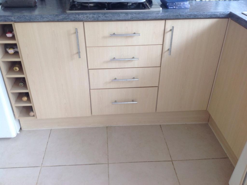 MOBEN KITCHEN For Sale Contemporary Design Good Conditio 2nd Hand Unit