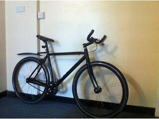 Beautiful quality custom single speed fixie road bike track bike with extras lightweight bargain