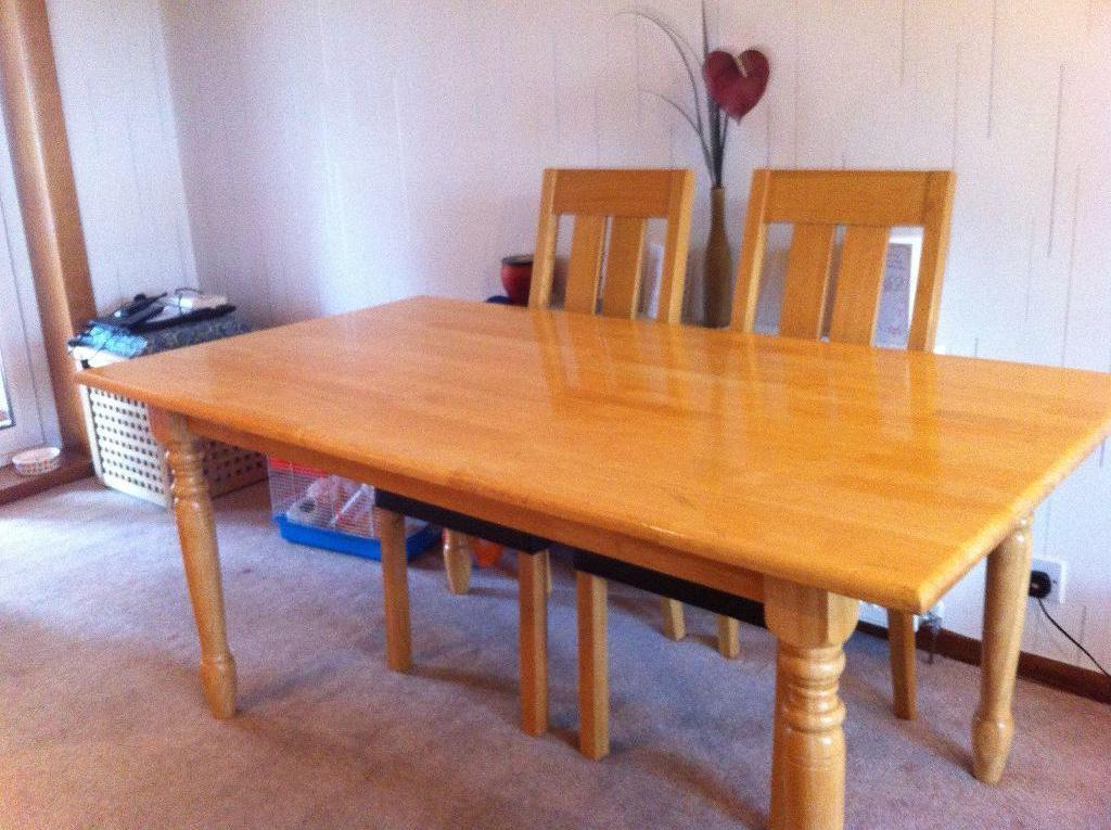 oak dining table great family sized dining table