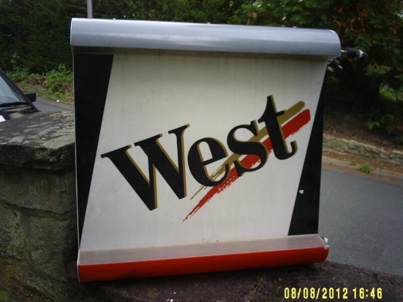 werbetafel west mit neonbeleuchtung in nordrhein westfalen detmold ebay kleinanzeigen. Black Bedroom Furniture Sets. Home Design Ideas