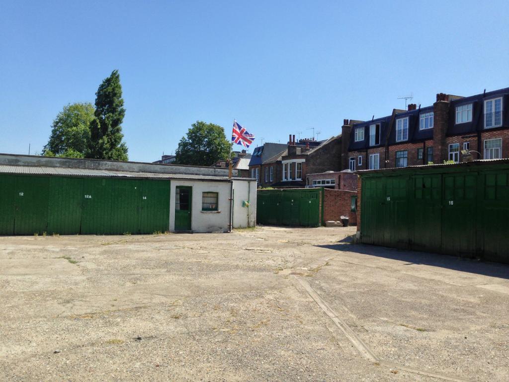 Secure lock up garage to rent in balham wandsworth common for Rental garages