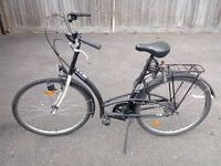 Dutch style / vintage / old fashion commuting bike / bicycle - - AS NEW --