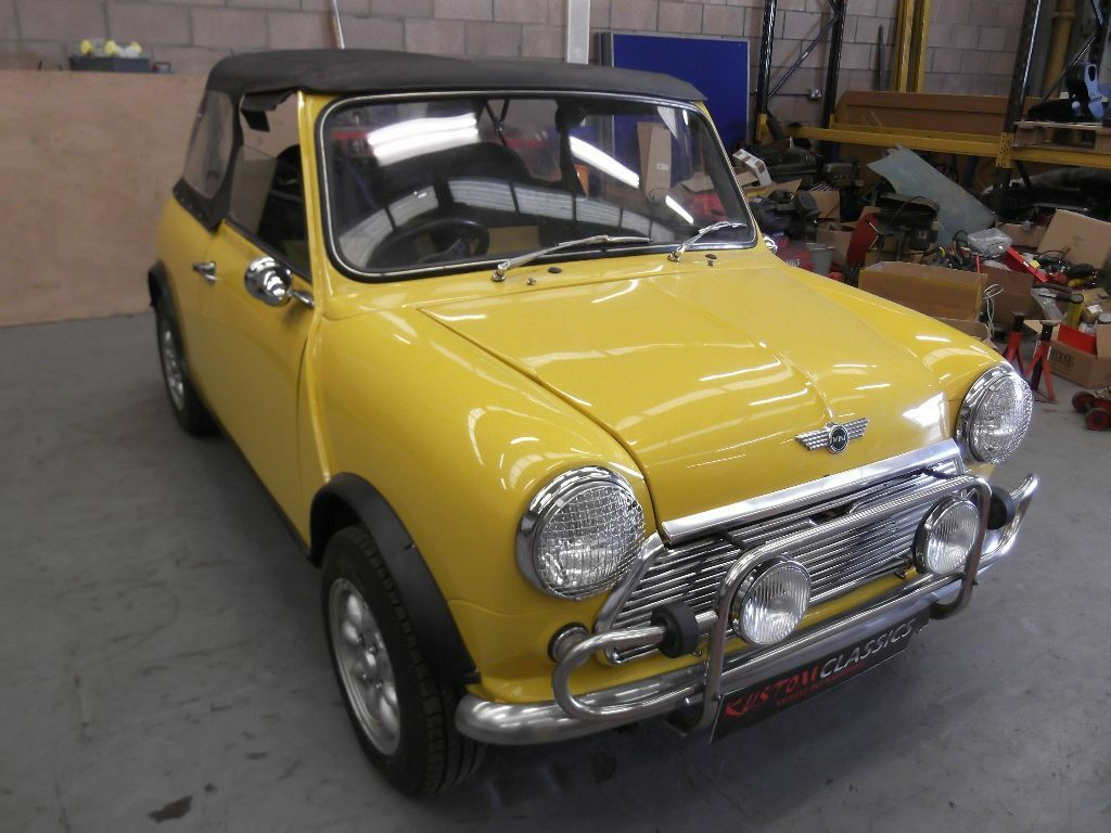 classic mini convertible 1982 10 month mot 998cc cabriolet alloys bucket seats austin. Black Bedroom Furniture Sets. Home Design Ideas