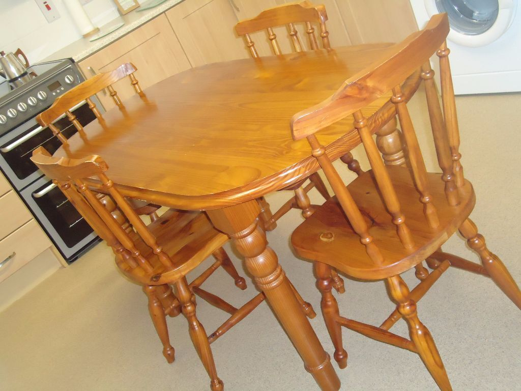 Dining table and chairs united kingdom gumtree for Dining room tables on gumtree
