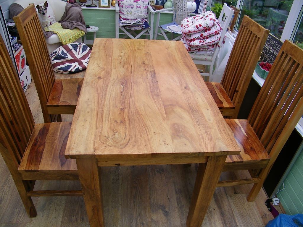 beautiful solid wood dining table and 4 highback chairs  : 86 from www.gumtree.com size 1024 x 768 jpeg 154kB