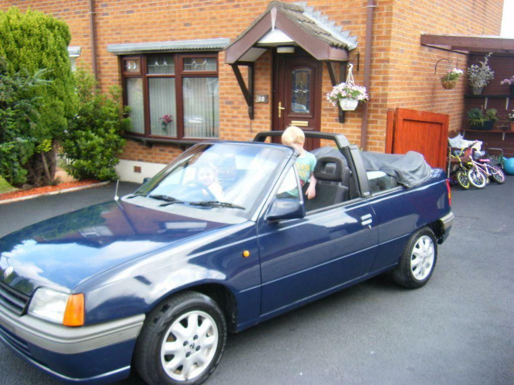 classic 1992 vauxhall astra bertone convertible united kingdom gumtree. Black Bedroom Furniture Sets. Home Design Ideas