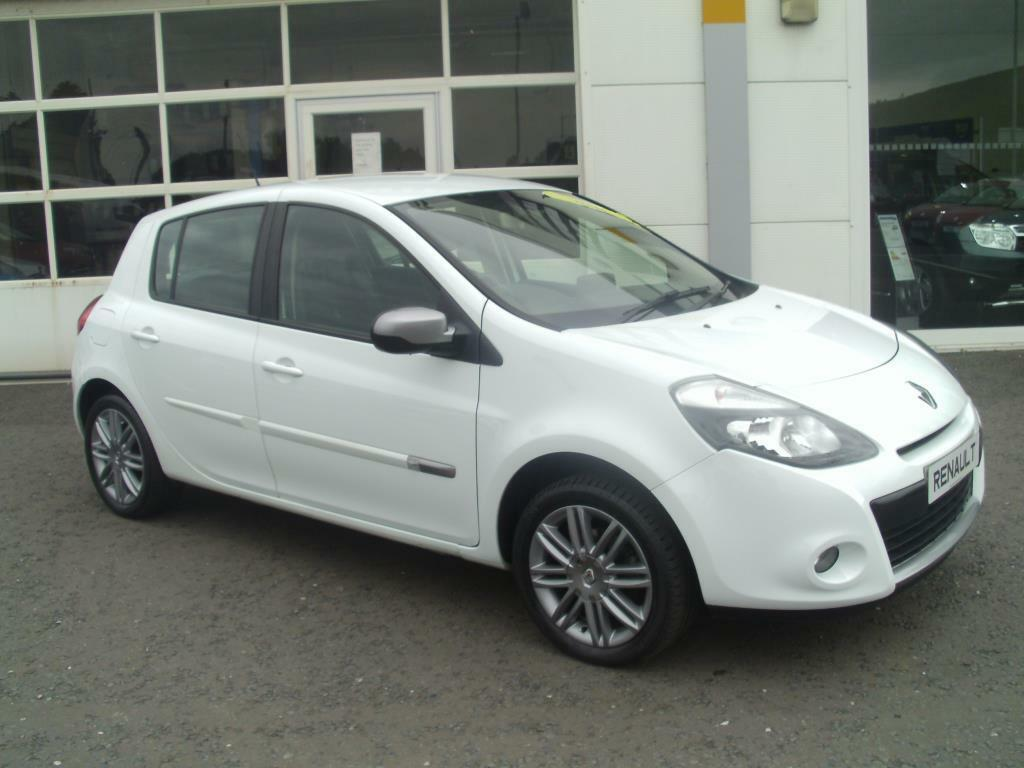 renault clio 1 2 16v dynamique tomtom 5dr 2012 united kingdom gumtree. Black Bedroom Furniture Sets. Home Design Ideas