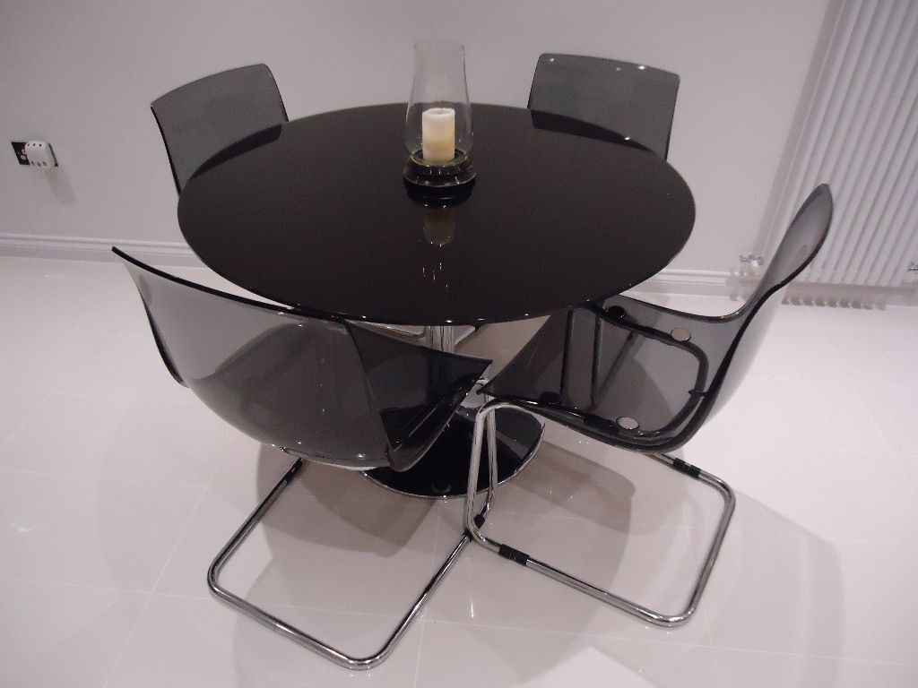 Glass dining table 4 z shaped buy or sell find it used for 110cm round glass dining table
