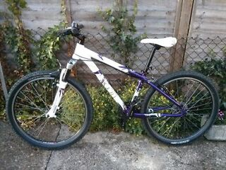 Scott ladies mountain bike in 'as new' condition. Shimano kit
