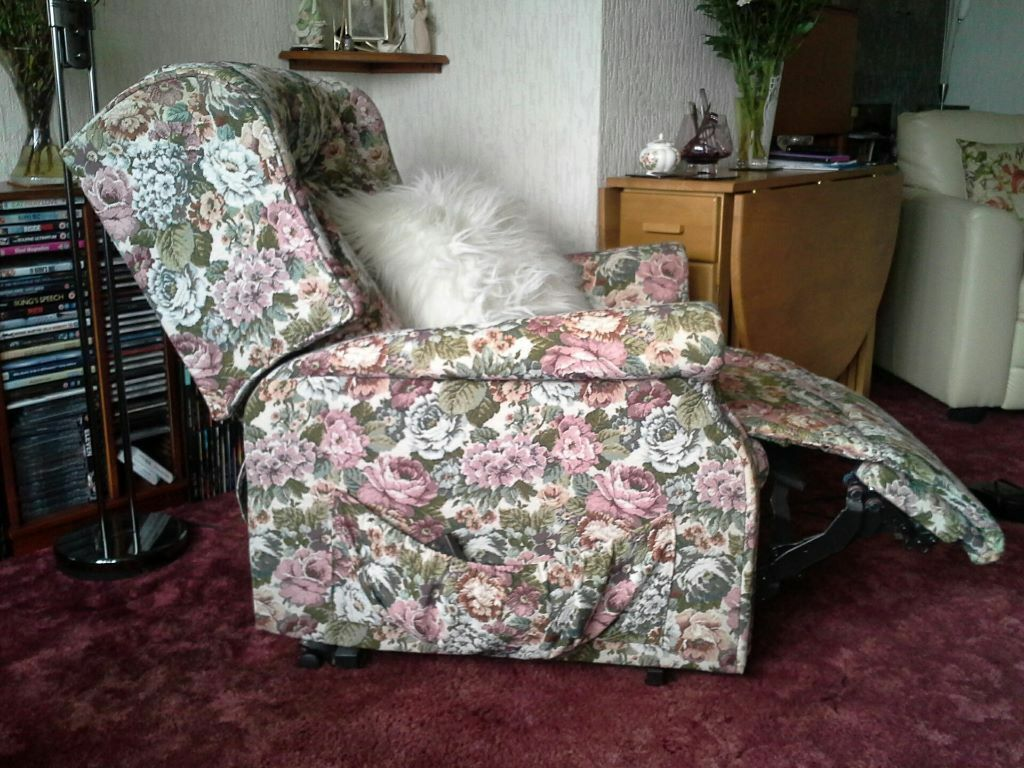 electric riser recliner chairs glasgow recliner riser orthopaedic chair united kingdom gumtree
