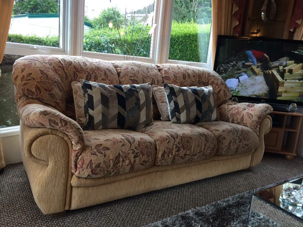 3 Peice Suite 3 Seater Sofa And 2 Chairs United Kingdom
