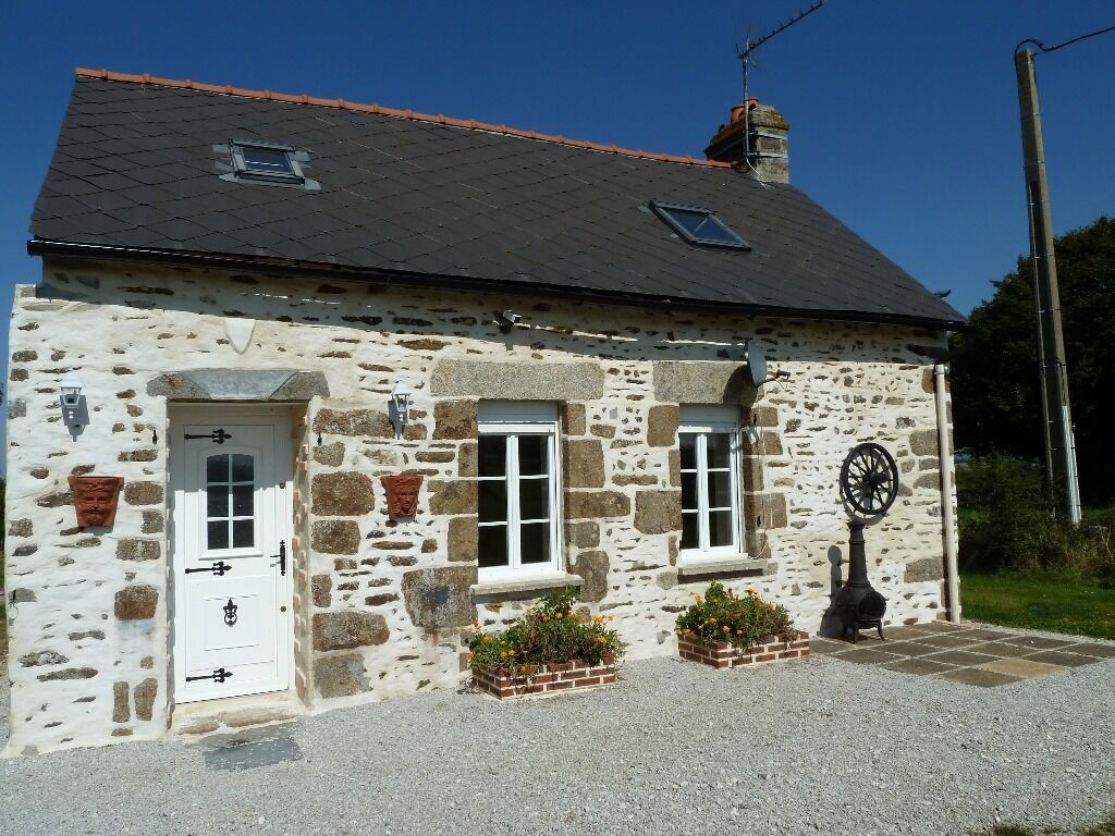 Just renovated chocolate box cute french cottage in loire for French country cottages for sale