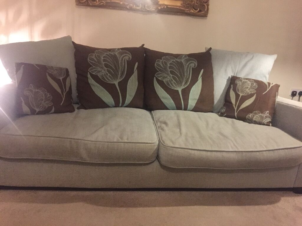 4 Seater Sofa 100 United Kingdom Gumtree