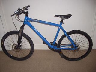 """Genesis Core 30 2011 Hardtail Mountain Bike 20.5"""" (will deliver) RRP £850"""
