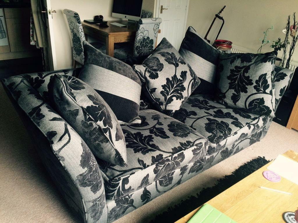 Furniture village sofa buy sale and trade ads great prices for Furniture village sale