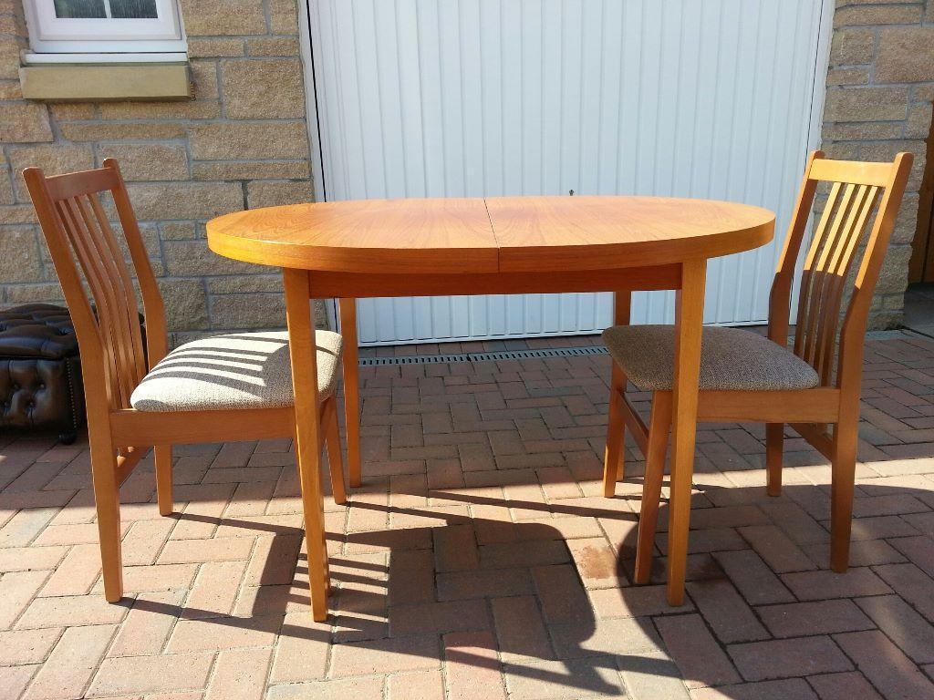 dining table and set of two chairs very good condition cheap united