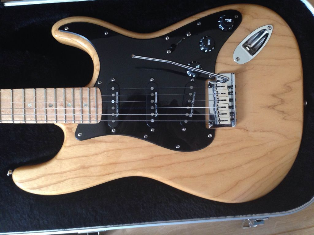 fender lite ash stratocaster natural birdseye neck great condition united kingdom gumtree. Black Bedroom Furniture Sets. Home Design Ideas