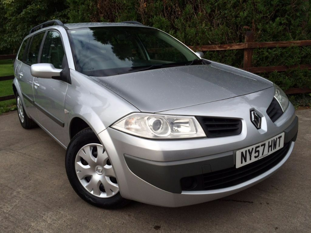 2008 renault megane 1 6i estate lovely conition united kingdom gumtree. Black Bedroom Furniture Sets. Home Design Ideas