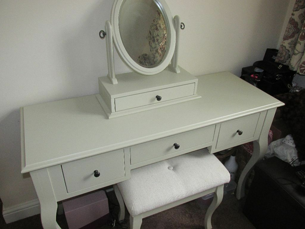 Quick Sale Neededbrand New Laura Ashley Rosalind Ivory Dressing Table Mirrorstool Set Excellent