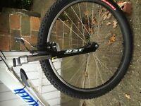 White specialized mountain bike