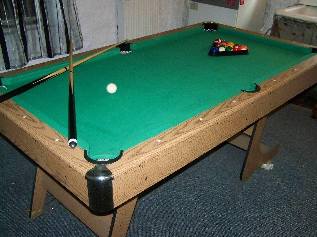 6ft Folding Pub Style Pool