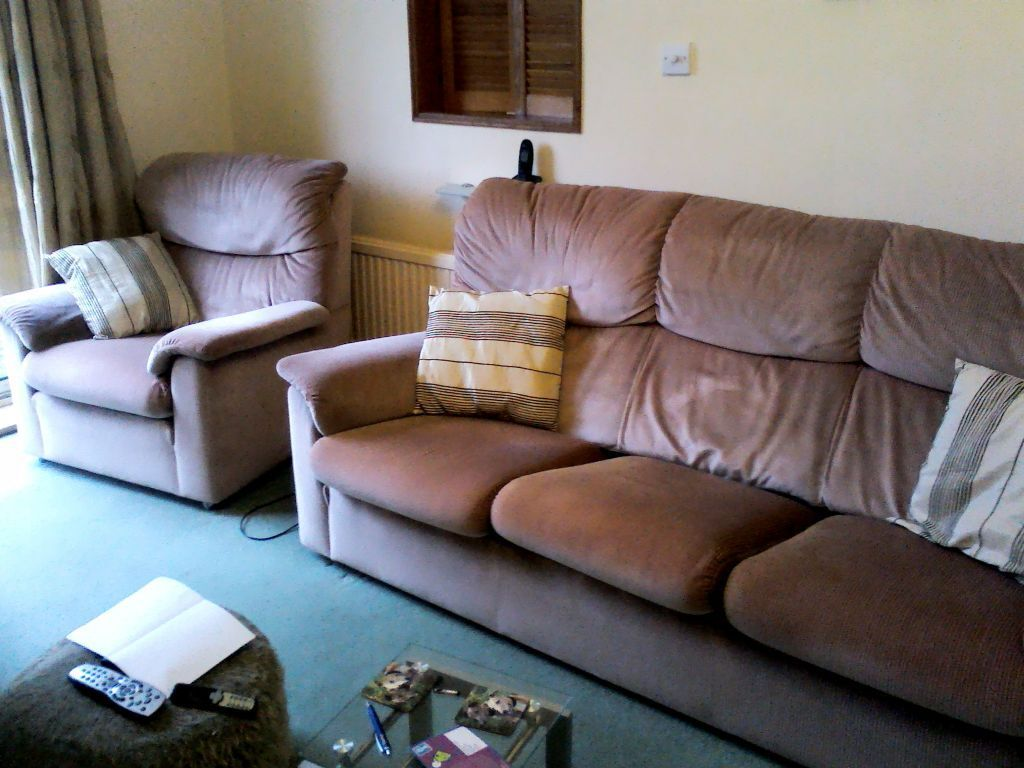 Bargain Parker Knoll 3 Piece Suite 3 Seater Sofa And 2