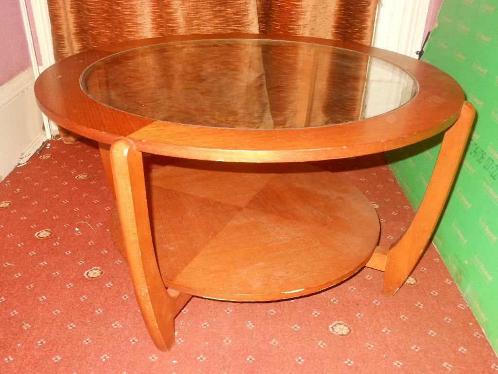 Round wood coffee table with glass top scandinavian for Round wooden coffee tables sale