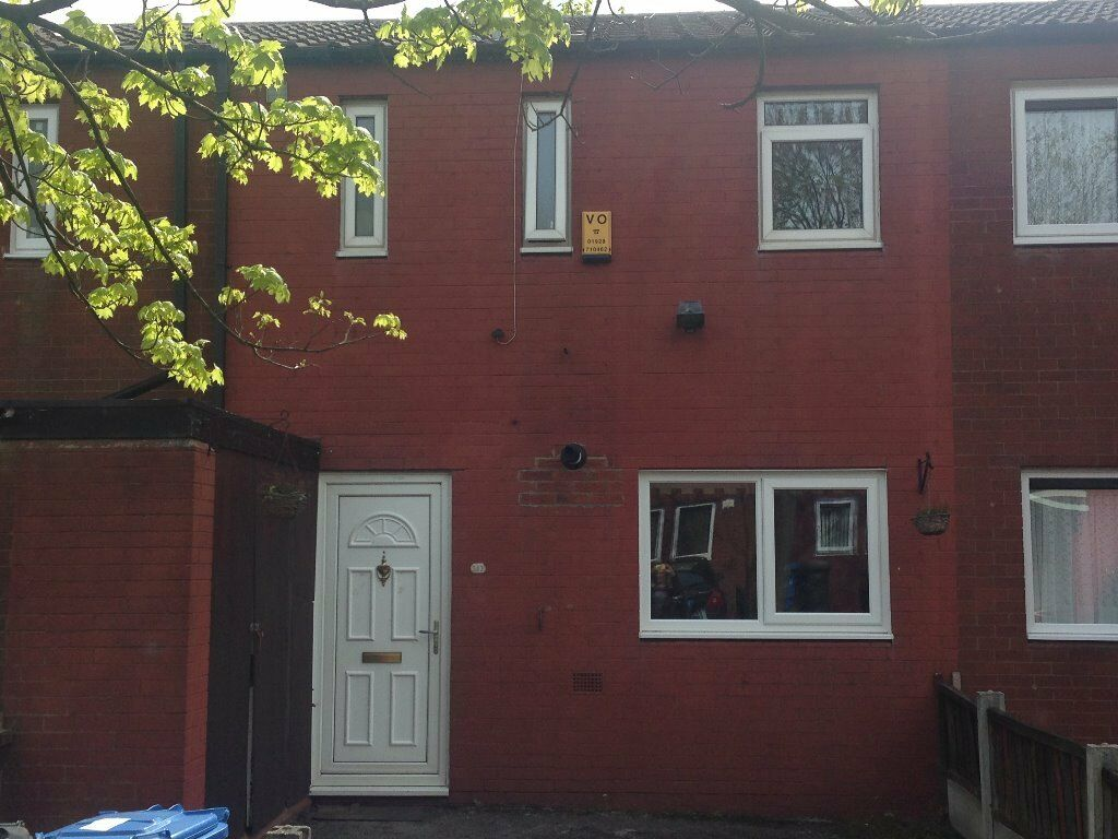 Three Bed Mid Terraced House To Rent In The Uplands Runcorn Cheshire Uni