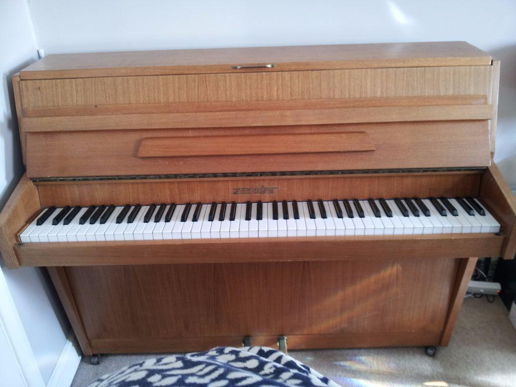 Piano For Small Space Of Zender 7 Octave Piano Ideal For Small Space United
