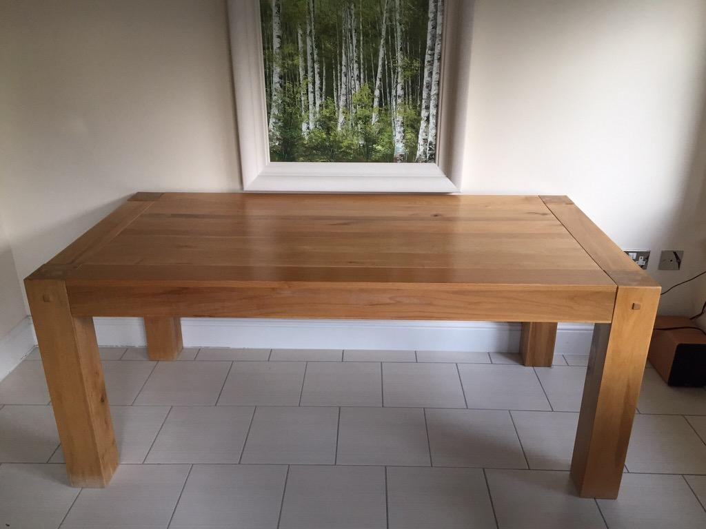 Solid Oak Dining Table With 4 Buy Sale And Trade Ads