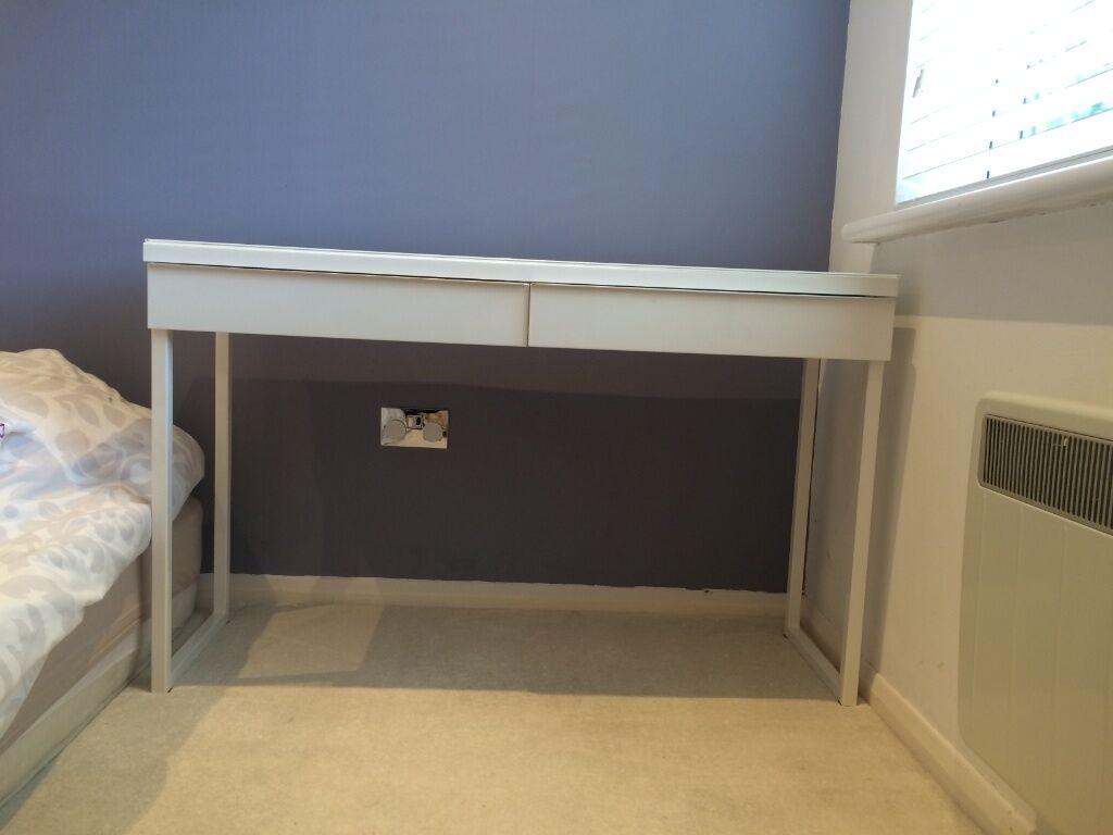 ikea besta burs desk high buy sale and trade ads. Black Bedroom Furniture Sets. Home Design Ideas