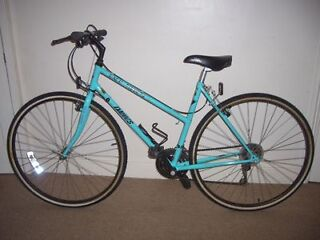 """Ladies/Womens Classic Dawes Back Streets 19.5"""" Hybrid/Commuter/Town/City Bike (will deliver)"""
