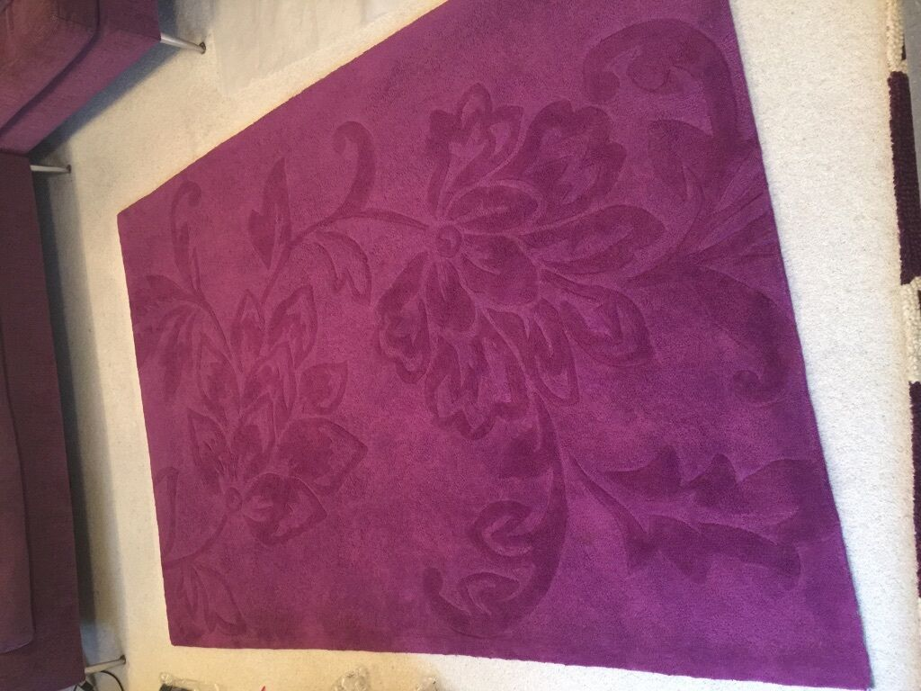 Large plum rug buy sale and trade ads find the right price for Plum and cream rug