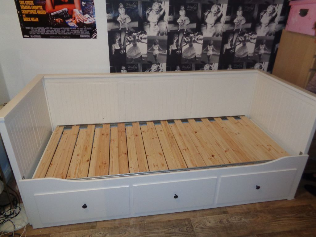 Ikea hemnes pull out day bed Buy, sale and trade ads