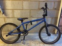 Mongoose Subject 2010 Blue Bmx Stunt Bike wih Free Bike Cover