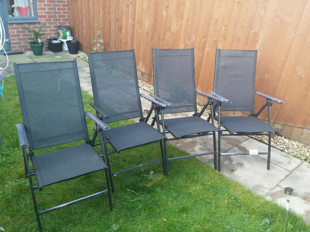 Set of 4 NEW Garden Chairs I have a set of 4 garden chairs for sale bought t