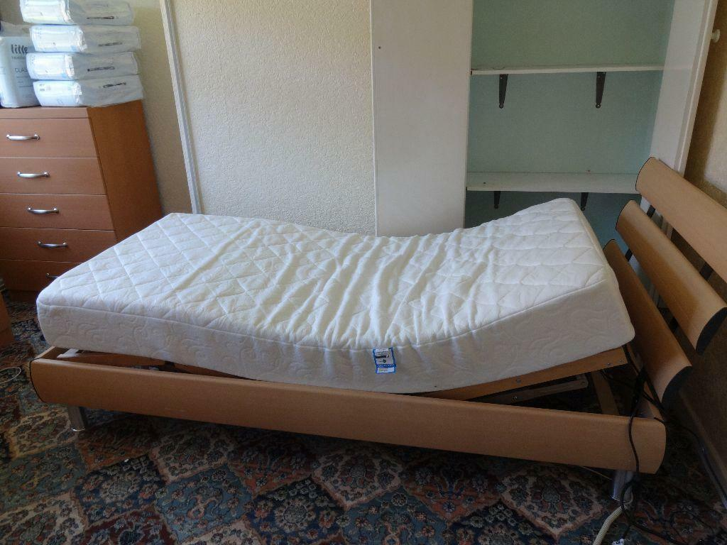 Gumtree Electric Adjustable Beds : Adjustable electric bed with massage feature in mattress